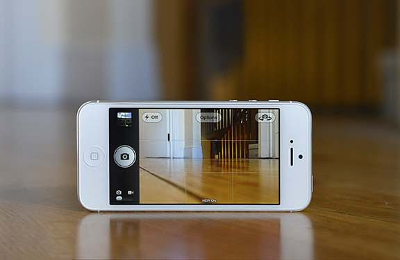 Apple-iPhone-5-vs-Samsung-Galaxy-S3-iPhone-5-Camera